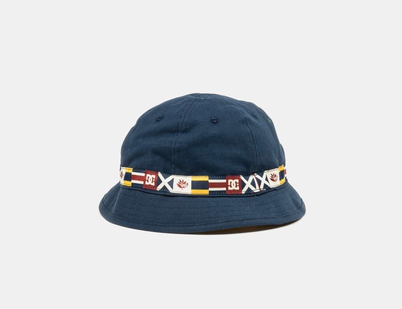 DC Shoes x Magenta Bucket Hat - Navy / Yellow