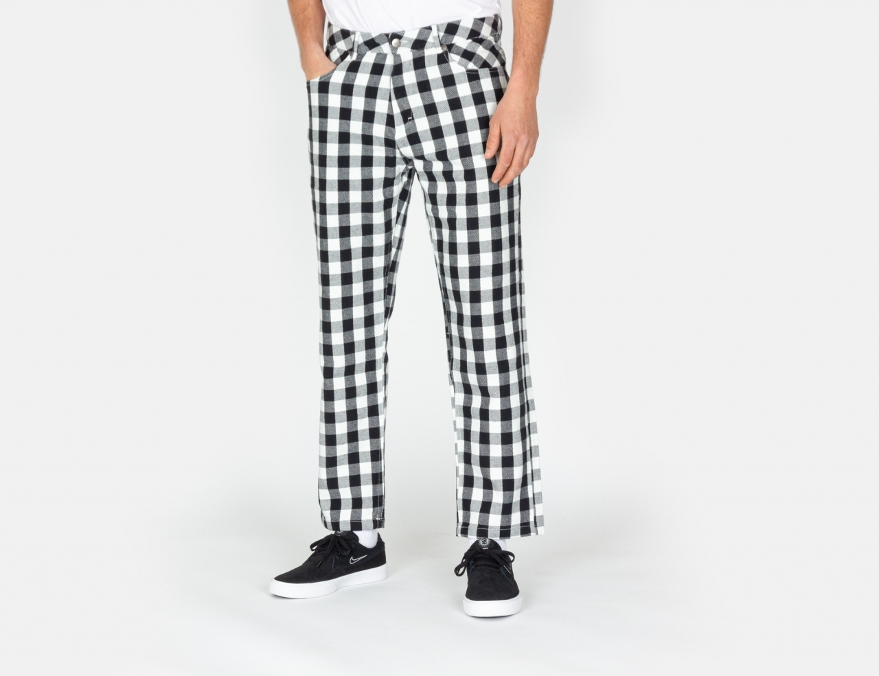Afends Ninety Twos Relaxed Fit Chino Pant - Black / White