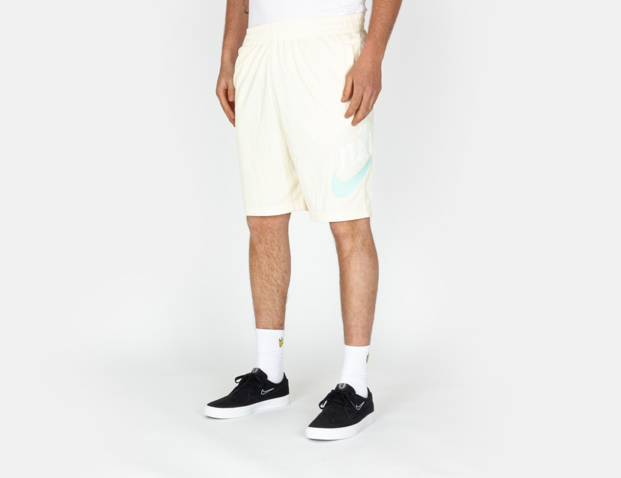 Nike SB Essential Sunday Shorts - Coconut Milk / Light Dew