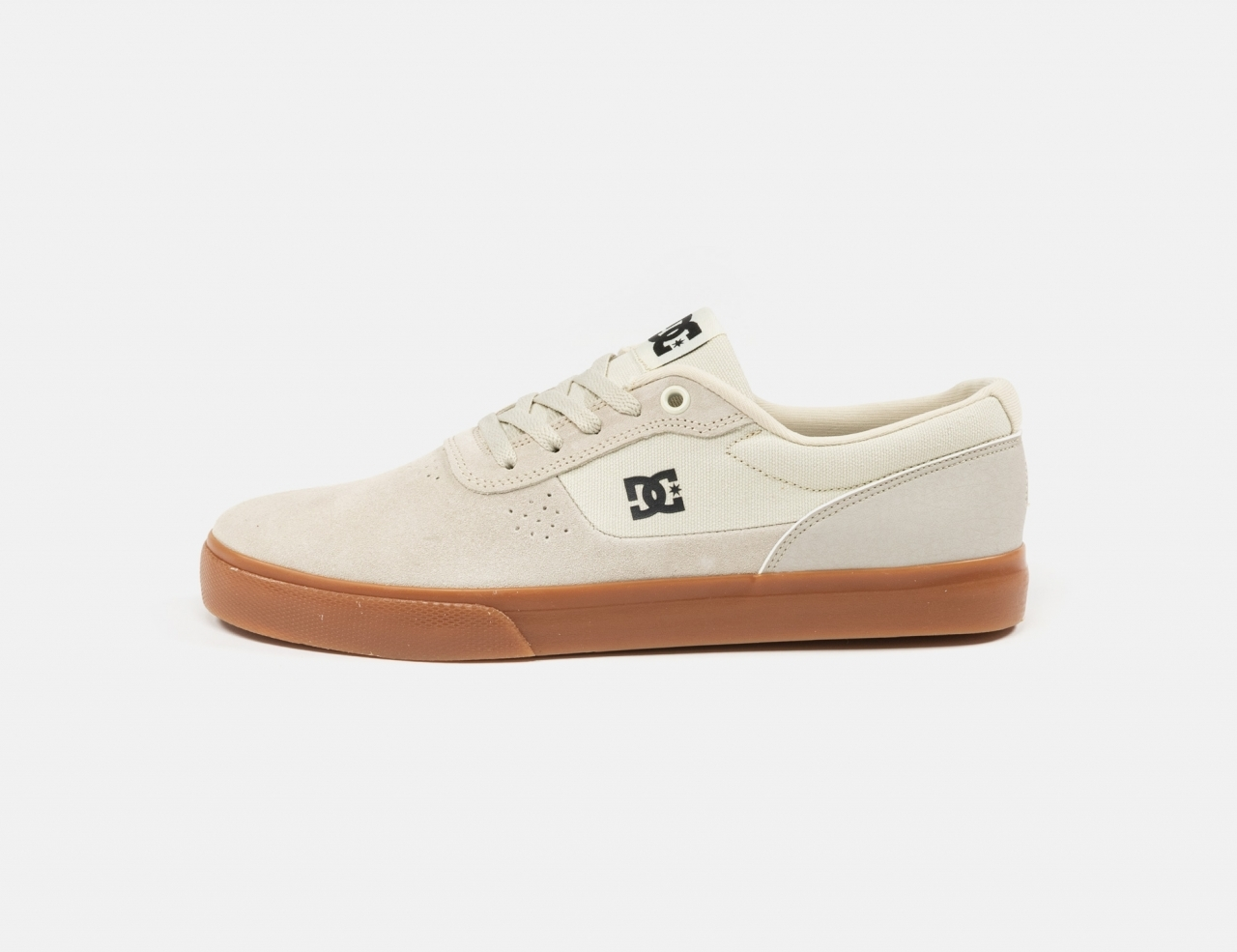 DC Shoes Switch Sneaker - White / Gum